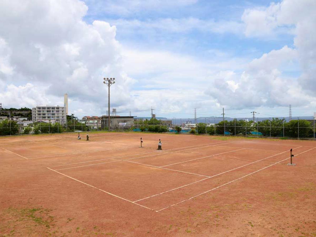 リーズナブルな料金で利用可能なテニスコート