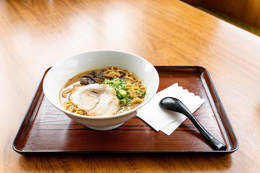 金武町の麺処千代の人気ラーメン